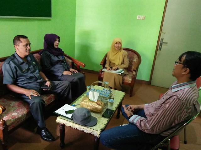 Diskusi KPU dan Bakesbangpol Tulungagung Bahas Anggaran Pilkada(10/10)