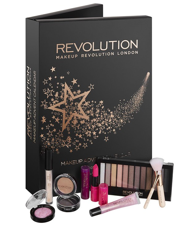 calendario de adviento make up revolution