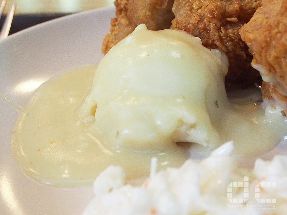 food review,food,review,singapore,waffletown,balmoral plaza,personal,fried chicken,waffles