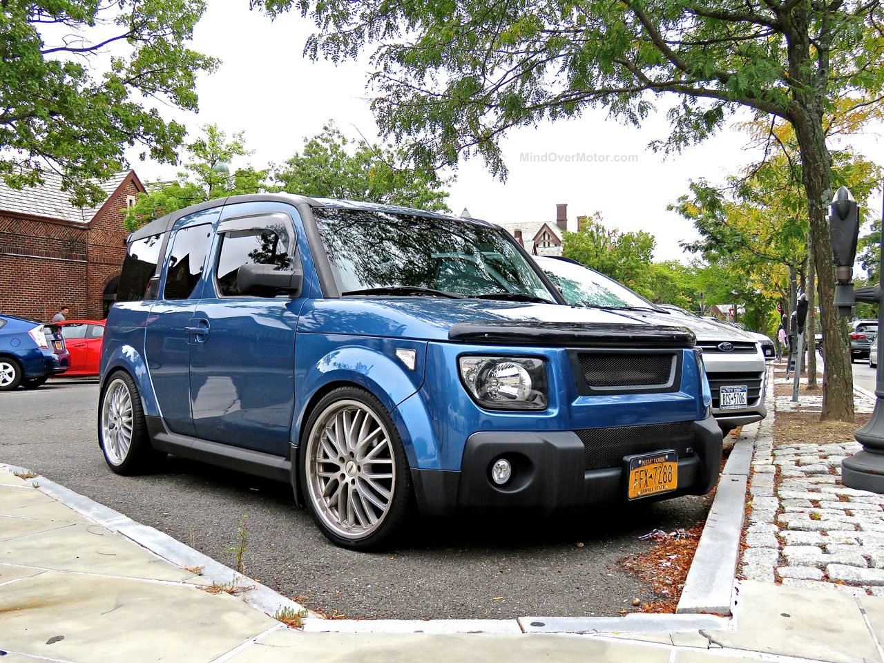 Slammed Honda Element 1