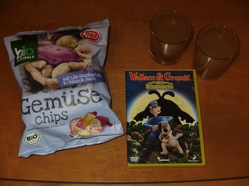 """Gemüse Chips (von bio Zentrale) und Apfelsaft (vom Markt) zum Film """"Wallace & Gromit - Auf der Jagd nach den Riesenkaninchen"""""""