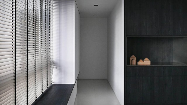 Minimal apartment design in Singapore by 0938 Sundeno_11