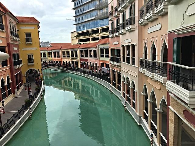 venice piazza venice grand canal mall