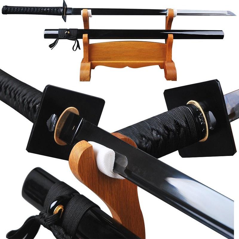 Japanese-samurai-sword-black-blade