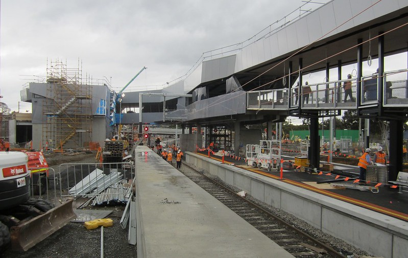 Bayswater level crossing removal: new station platform and concourse