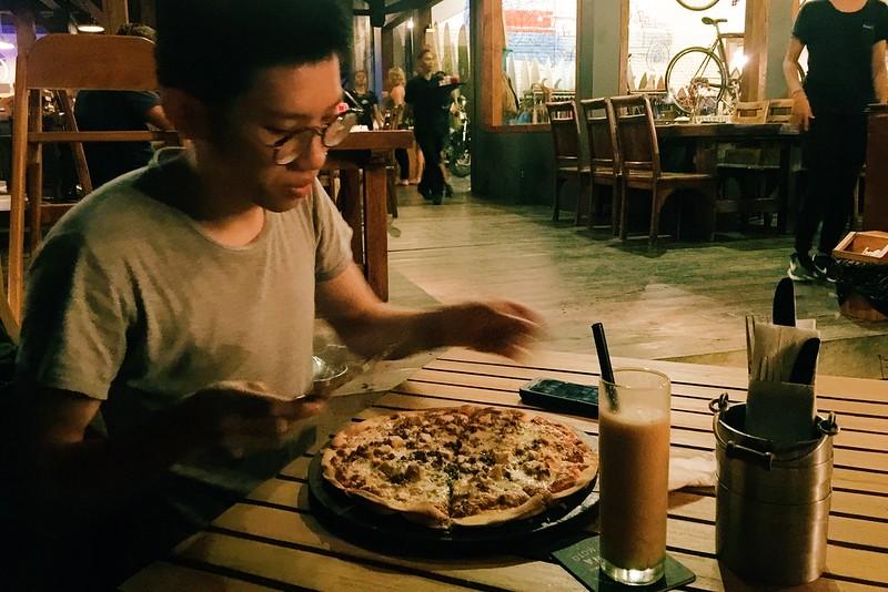 Canggu Deus Ex machina pizza