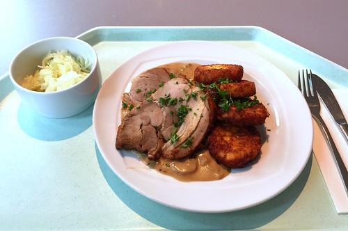 Turkey roast with mushroom cream sauce & roestis / Putenrollbraten mit Pilzrahmsauce & Röstis