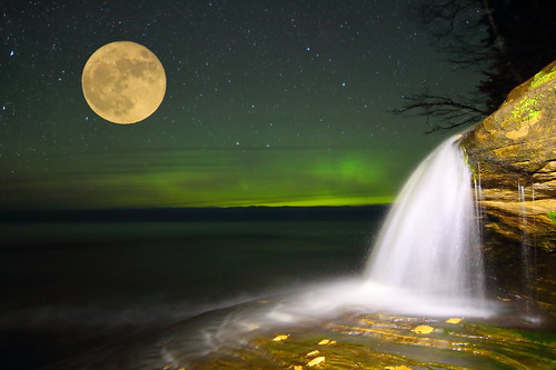 Elliot falls with northern lights and the super moon