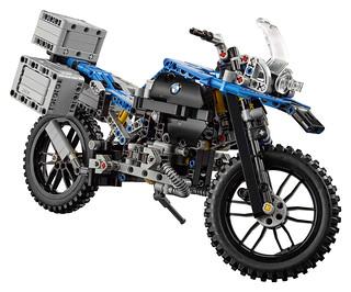 LEGO Technic 42063 BMW R 1200 R Adventure 05