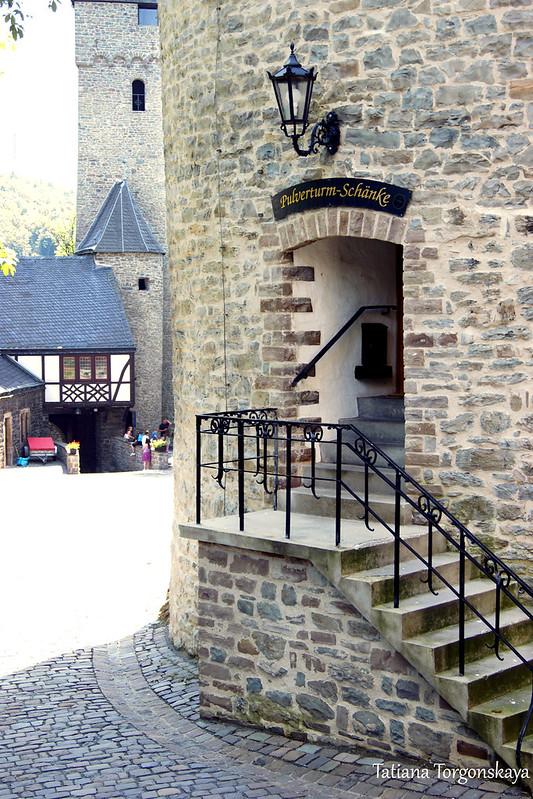 Вход в Пороховую башню
