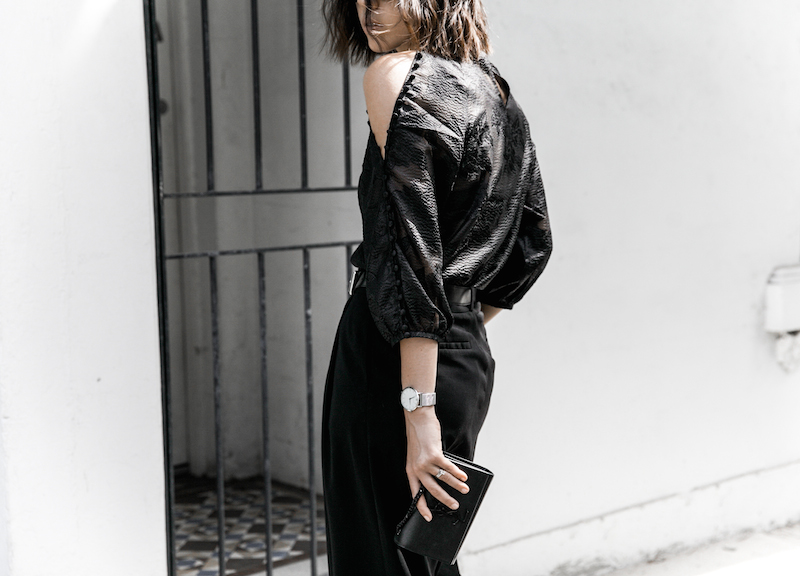 all black outfit inspo minimal fashion blogger modern legacy loafer mules karen millen shoulder blouse (3 of 9)
