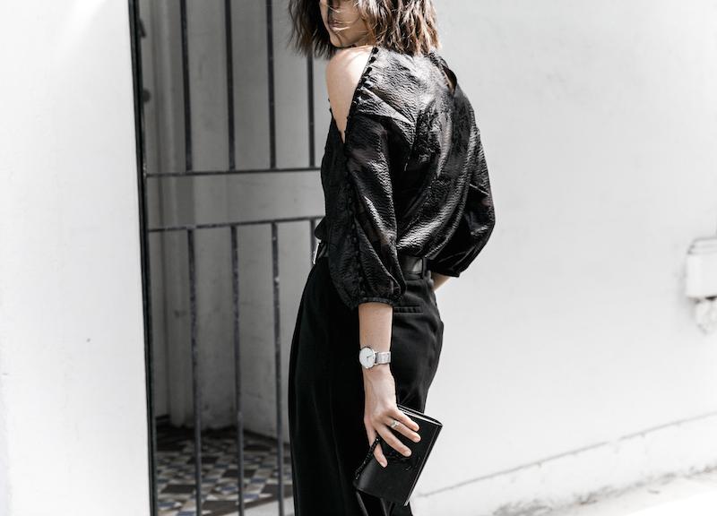 all black outfit inspo minimal fashion blogger modern legacy loafer mules karen millen shoulder blouse (3 of 9)