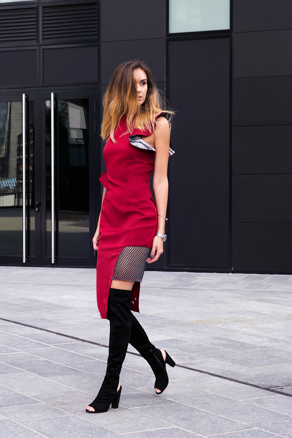 red-cocktail-dress-overknees-outfit-ideas