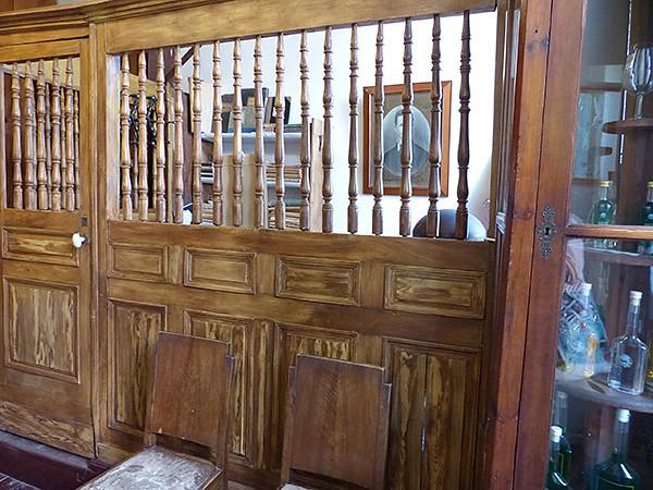 le bureau de la distillerie de kitron