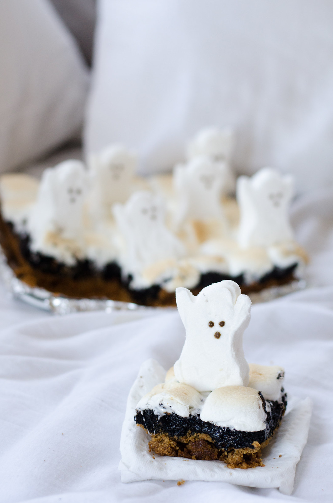 Ghost S'mores Brownie on juliettelaura.blogspot.com