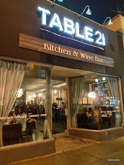 Table 21 Kitchen & Wine Bar storefront