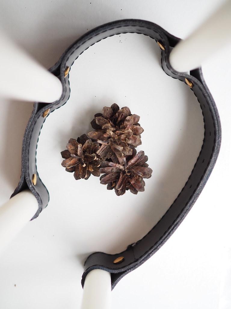 kynttilänjalka-nahasta