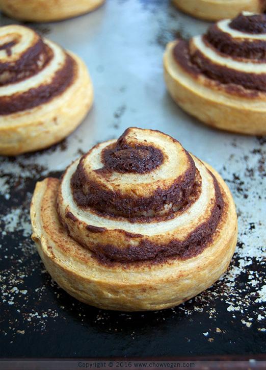 Baking Annie's Cinnamon Rolls