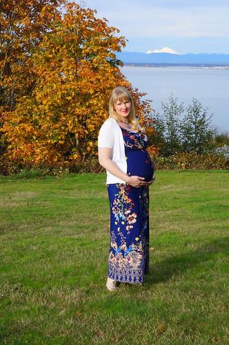 Liz pregnant close