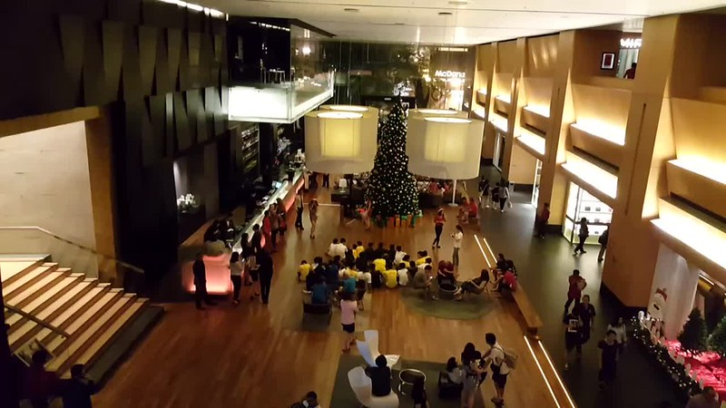 GHotel Christmas Tree Lighting Ceremony