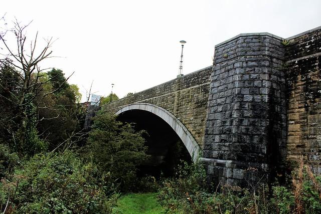 Current Linlithgow Bridge over River Avon