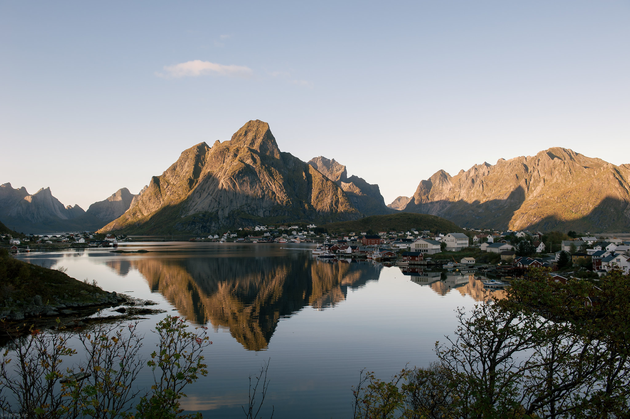 Reine in the afternoon light