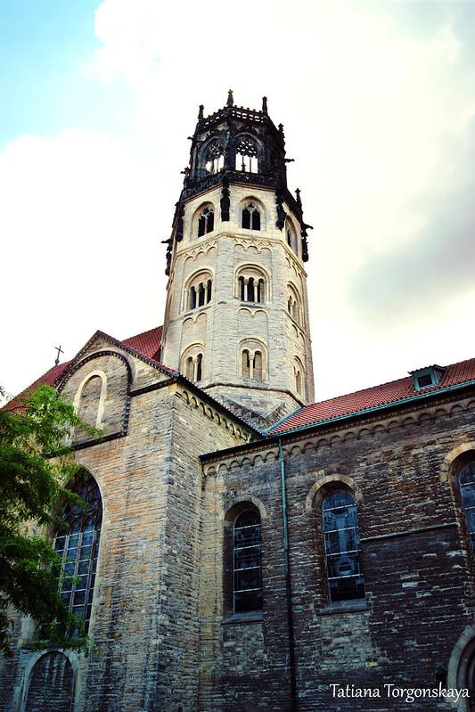 Центральная башня церкви Св.Людгера