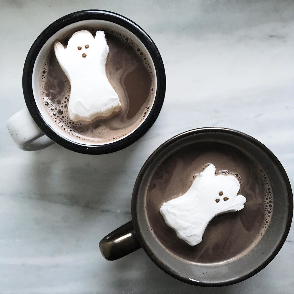 Pop a ghost Peep in your hot chocolate for a fun fall drink! via juliettelaura.blogspot.com