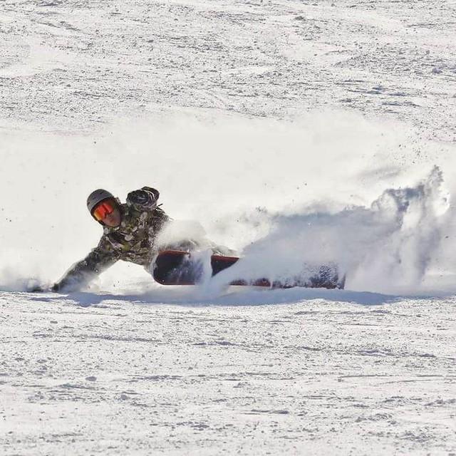 Hardboot snowboard carving flickr