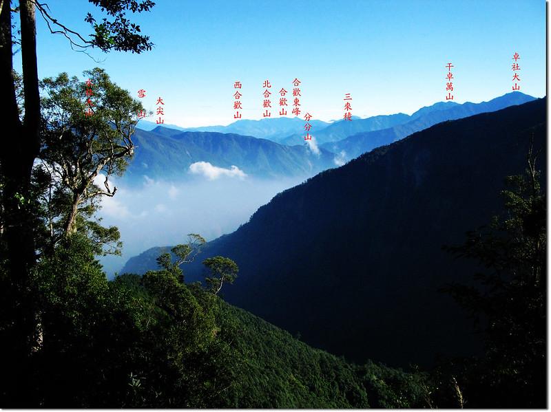 雙龍林道上方東北眺群山 1-1