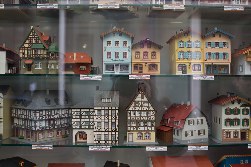 Miniatures for sale in Leipzig