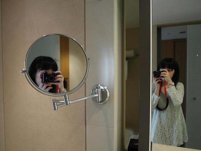 洗手台上方有梳妝鏡@台中日月千禧酒店