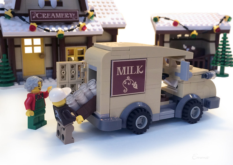 LEGO-Winter Village-Creamery-04