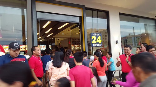 (Video) DavaoFoodTripS.com :: Jollibee's Road to 1000 Stores: Opens Its 991st Branch in Ma-a Davao City