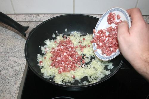 30 - Speckwürfel hinzufügen / Add diced bacon