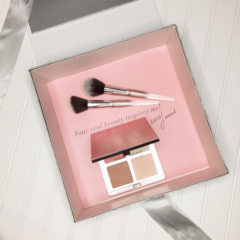 Holiday-gift-guide-it-cosmetics-je-ne-sais-quoi-16