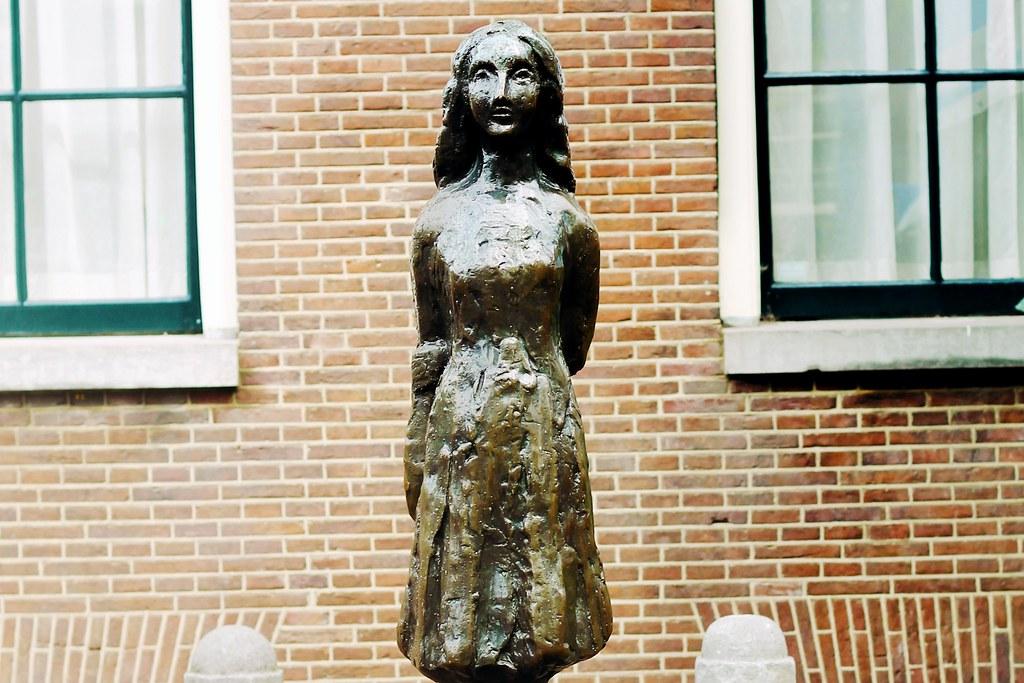 Drawing Dreaming - dois dias em Amsterdão - casa de Anne Frank