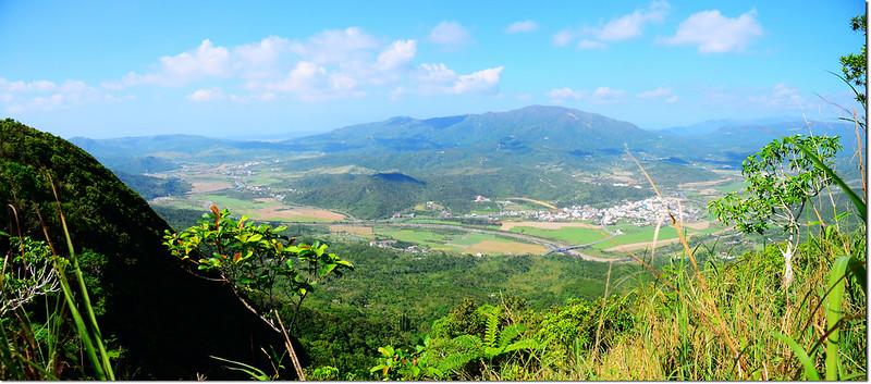 豬老束山山頂俯瞰滿州地區