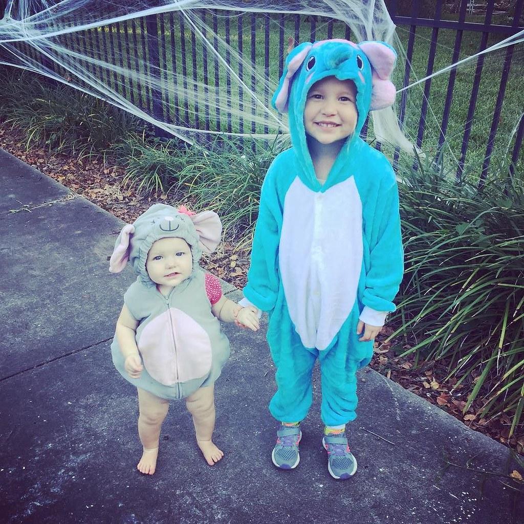 Happy Halloween! 🐭🐘