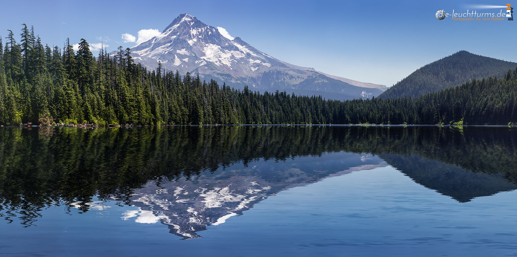 Mt.Hood reflection in Lost Lake