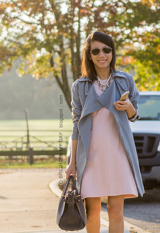 gray blue drape trench, pink sleeveless shift dress, pearlized statement necklace, gray tote