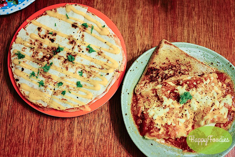 Pizzadilla (Php 90) and Lasagna Roll-up (Php 120)