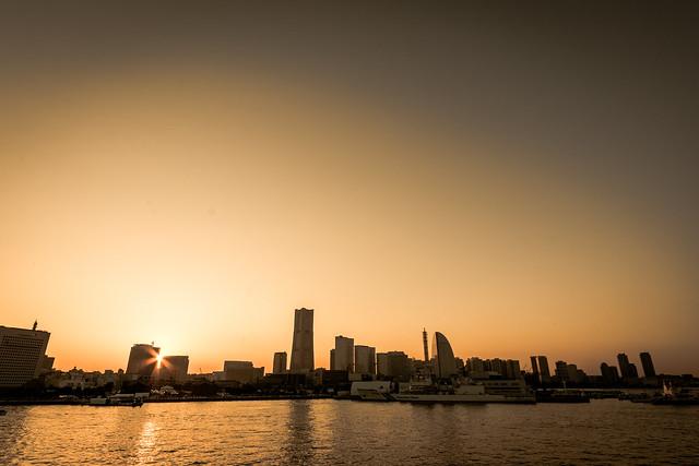 横浜・大さん橋からの夕焼け写真