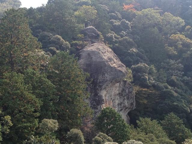 伊勢山上 表行場 飛石より小尻返し