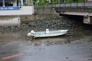 P1060770 Va a ser dificil navegar... Hacia la estacion de Tojinmachi (Fukuoka) 14-07-2010
