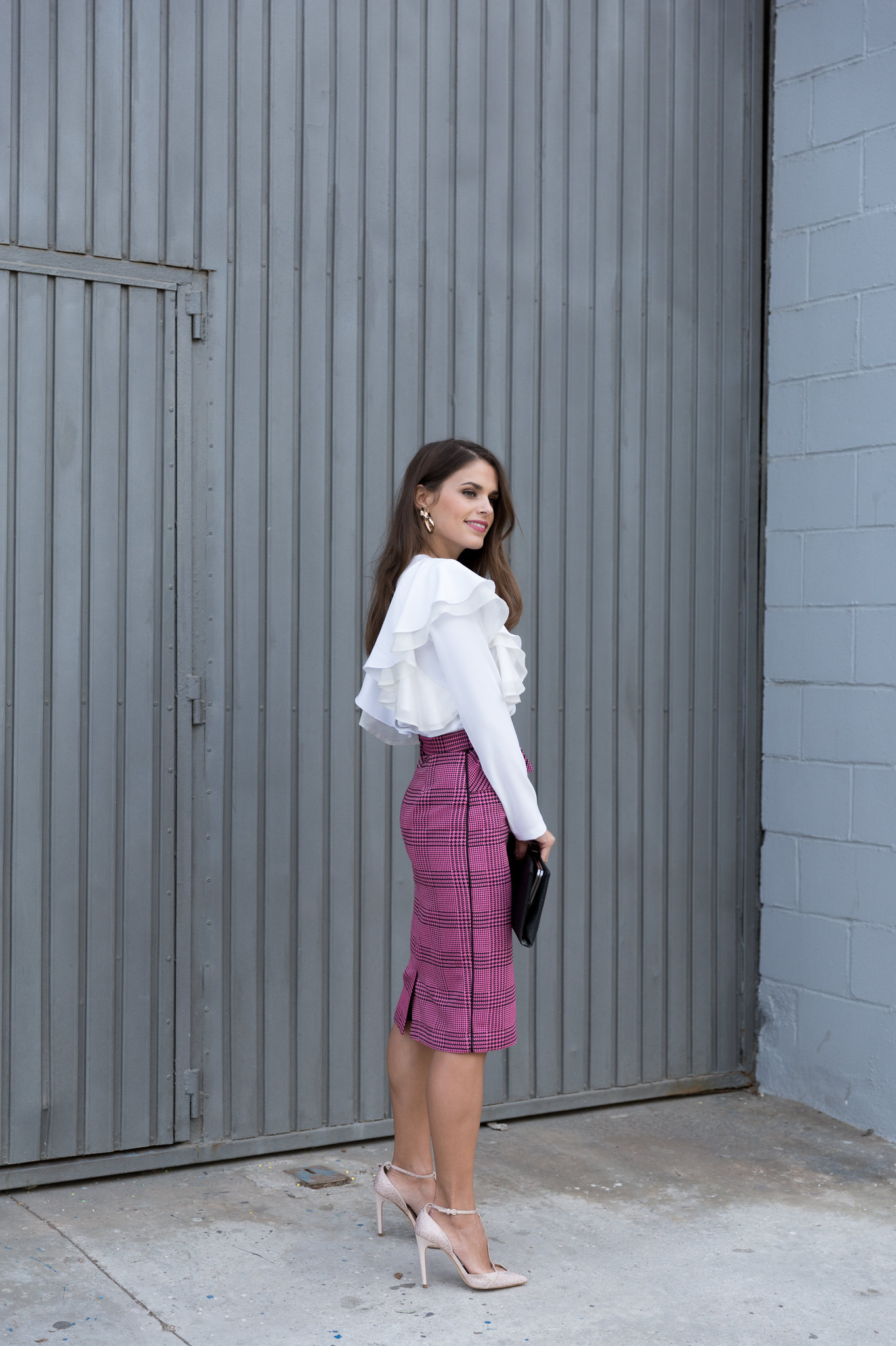 Jessie Chanes Seams for a desire - pink black houndstooth skirt white top apparentia -3