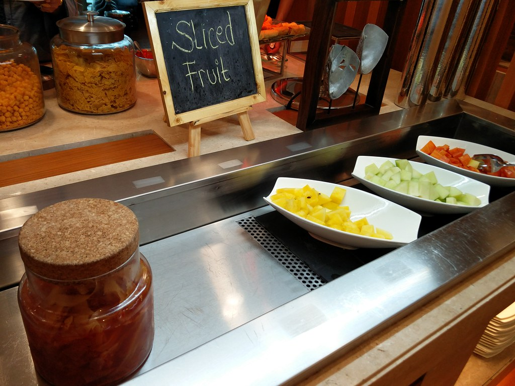Sliced fruits counter