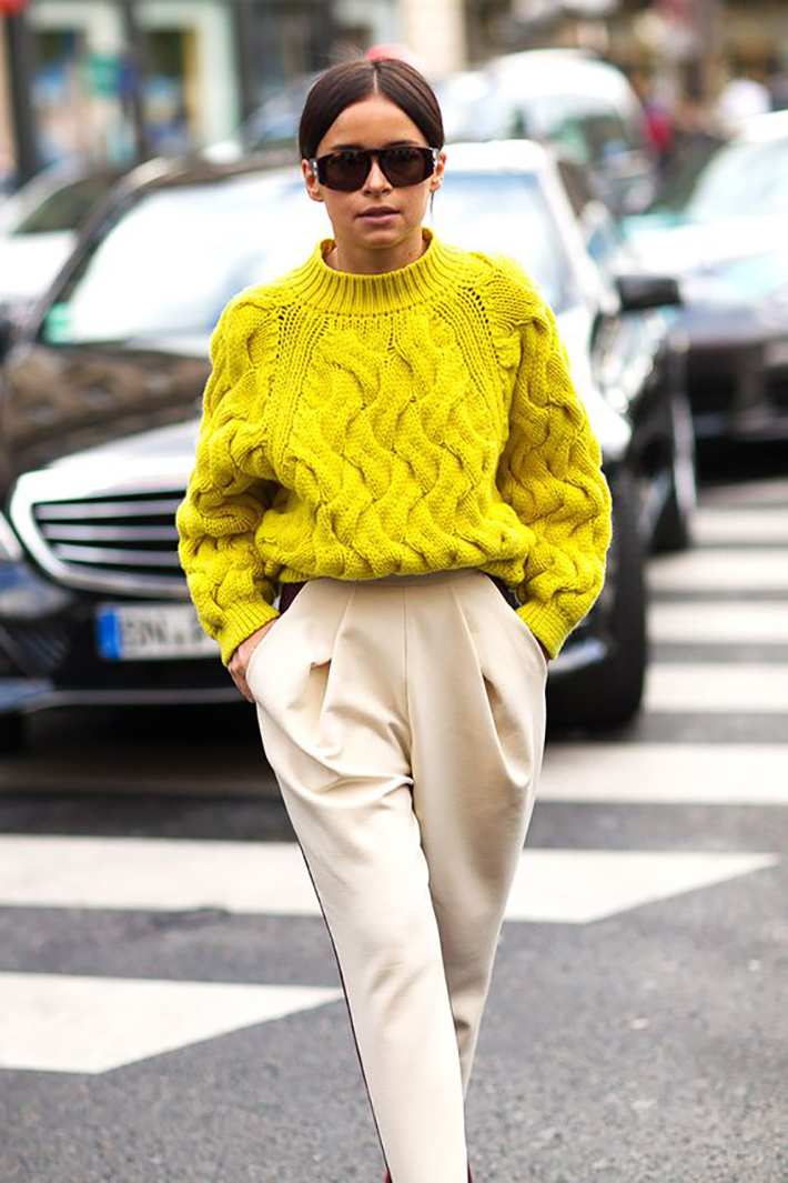 Knitwear rainy day outfit accessories fall style streetstyle winter style fashion trend4