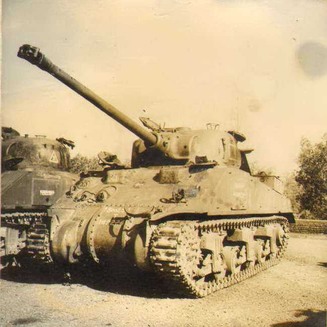M4-Sherman-with-AMX-13-gun-indian-1965-q-pag-2