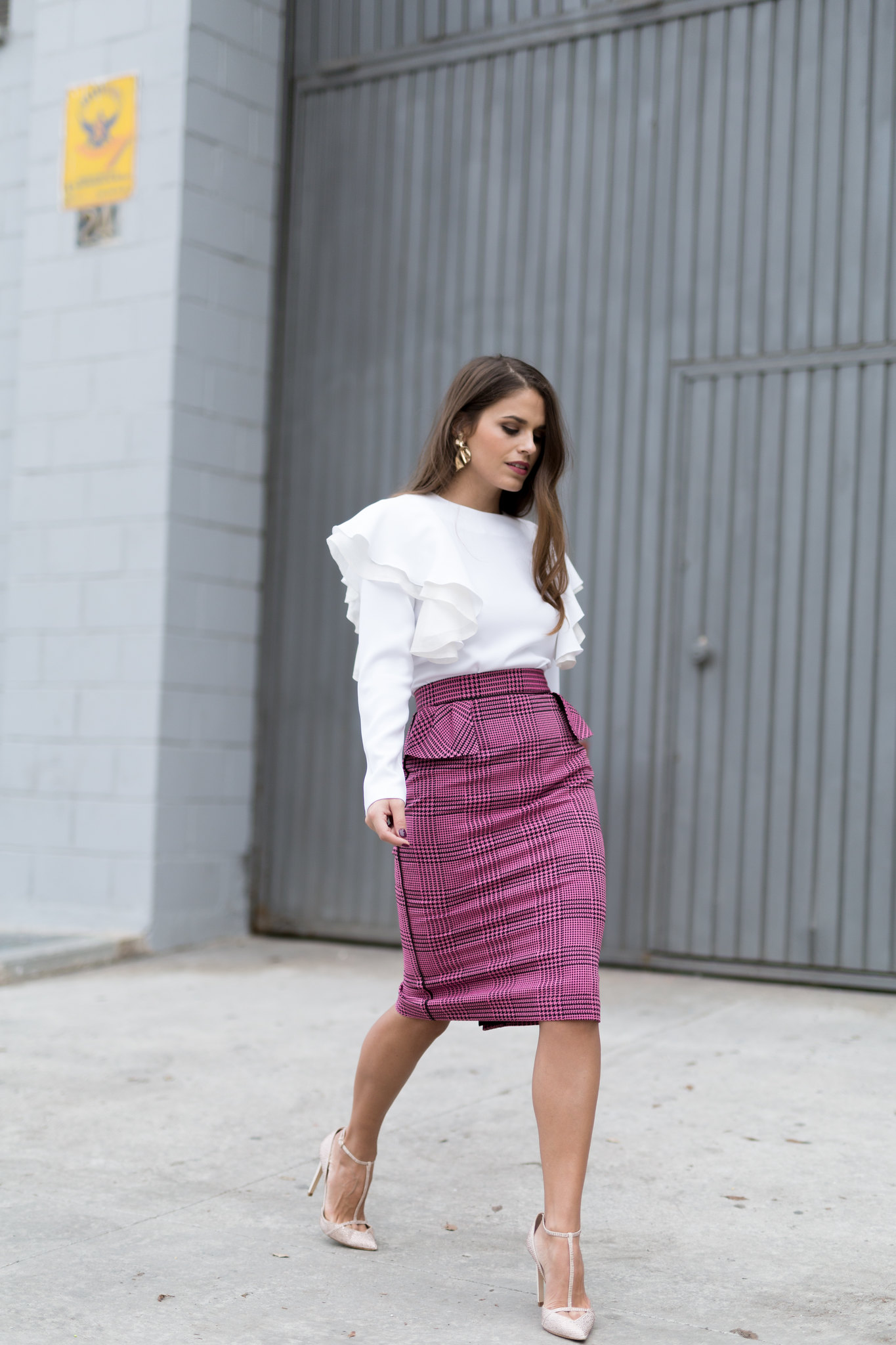Jessie Chanes Seams for a desire - pink black houndstooth skirt white top apparentia -15